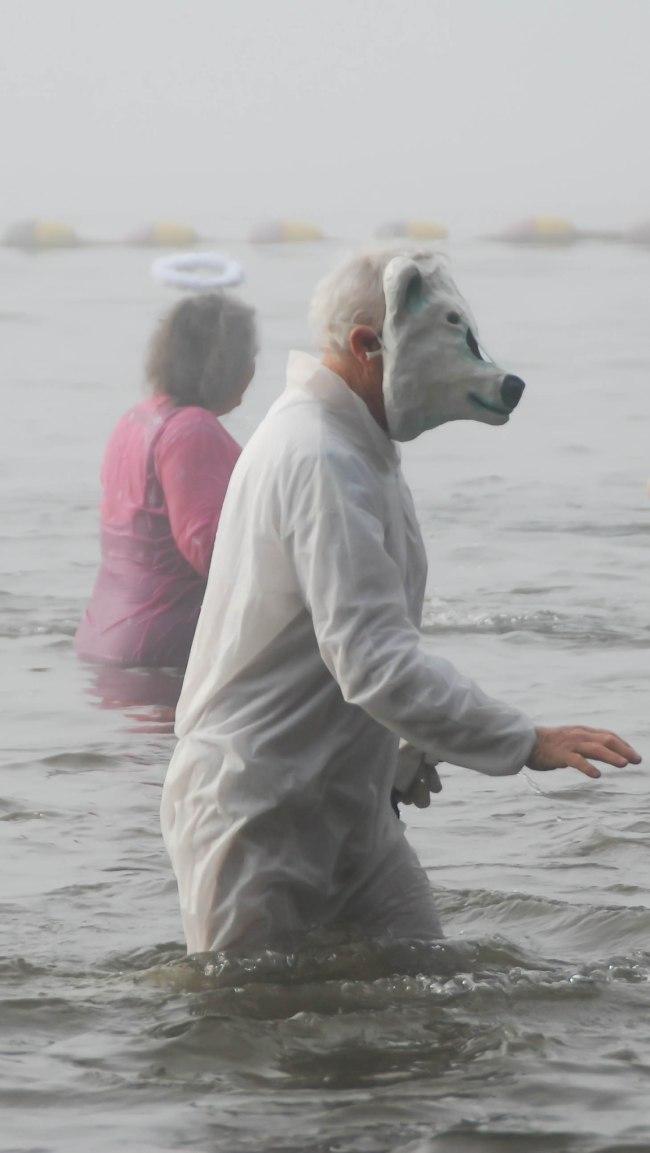 Polar bear plunge 2014-3
